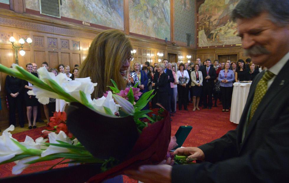 http://parlament.hu/hivatal/navay_hajnik/2013/07.jpg