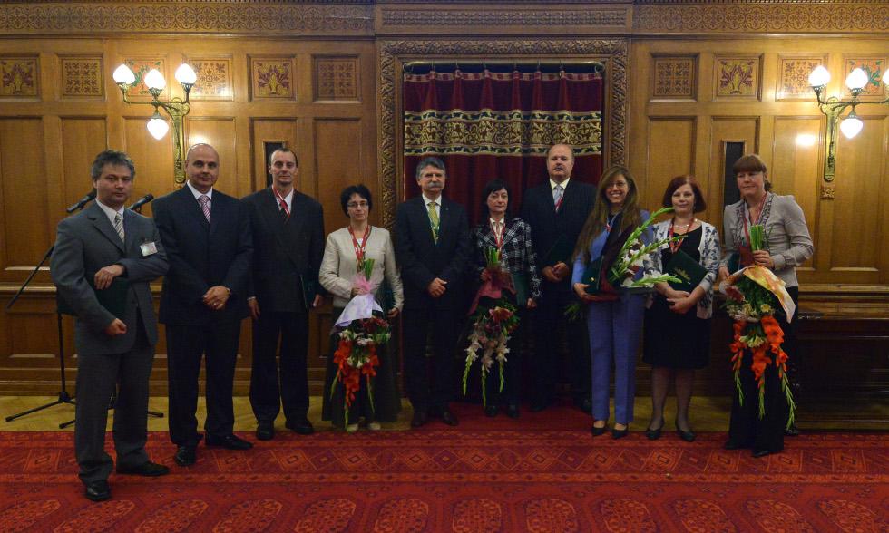 http://parlament.hu/hivatal/navay_hajnik/2013/01.jpg
